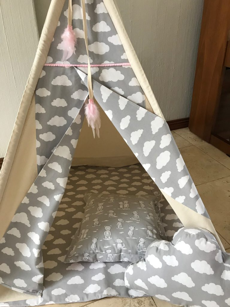 Matching teepee floor quilts