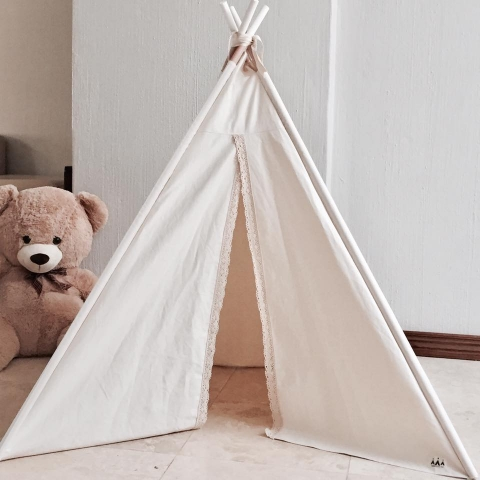 Small cream teepee with lace trimmings